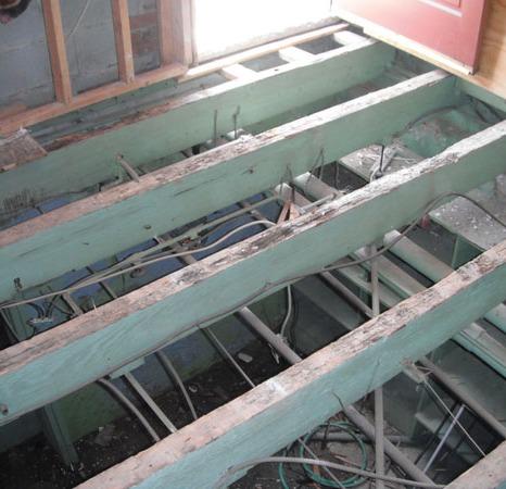 Exposed floor / ceiling